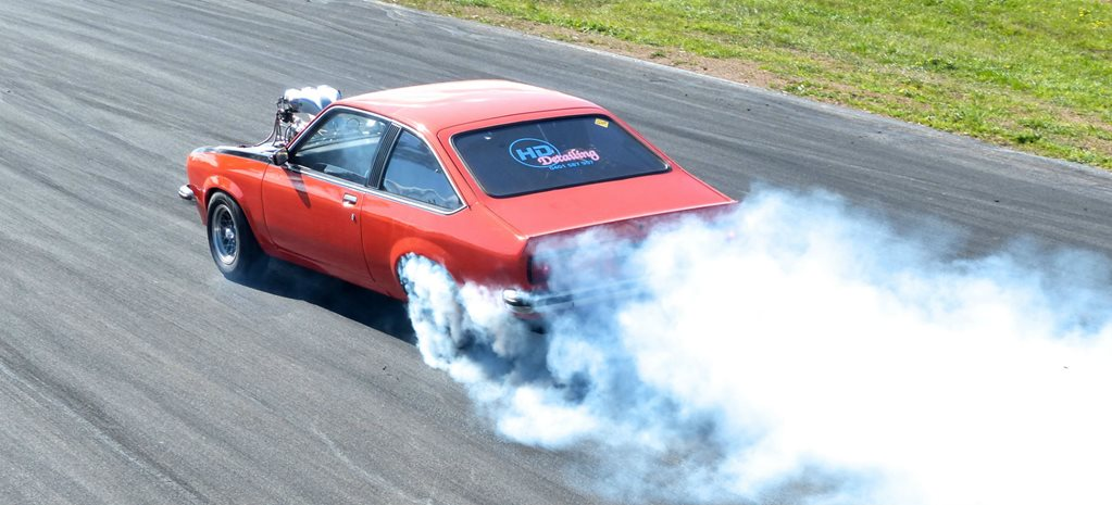 VIDEO: PERFORMANCE CAR MANIA POWER SKIDS