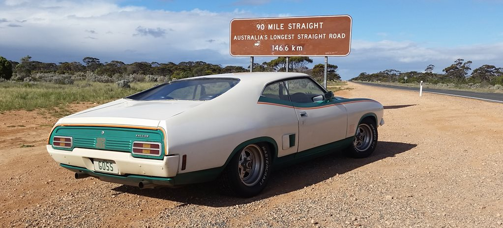 XB FALCON JOHN GOSS SPECIAL DRIVES ACROSS THE OUTBACK