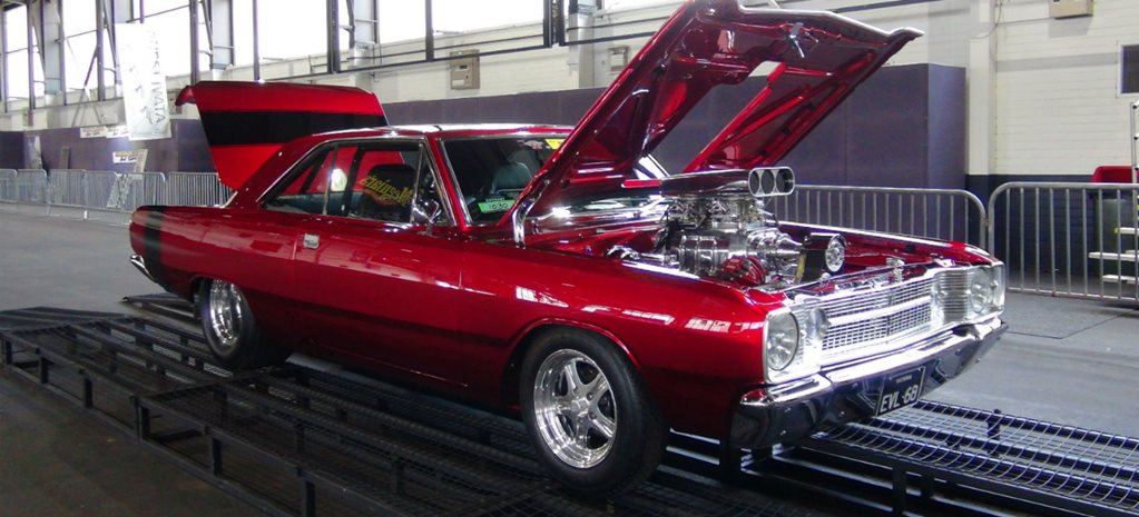 VIDEO: BLOWN DODGE DART 440 AT SUMMERNATS