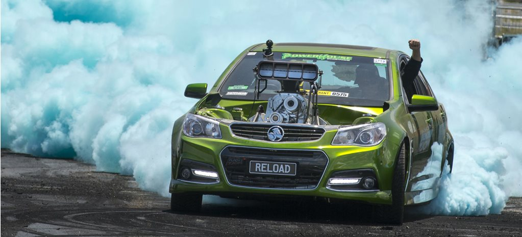 VIDEO: RELOAD VF COMMODORE BURNOUT FIRE AT SUMMERNATS 29