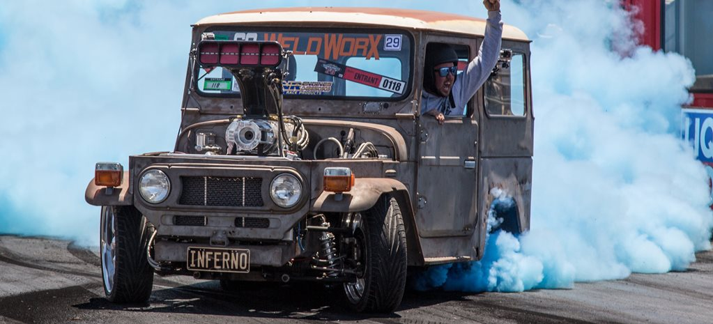 VIDEO: TOYOTA FJ40 BURNOUT BEAST AT SUMMERNATS 29