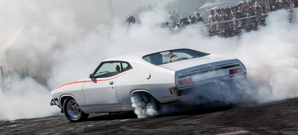 VIDEO: FAT383 TURBO XB FALCON BURNOUT AT SUMMERNATS