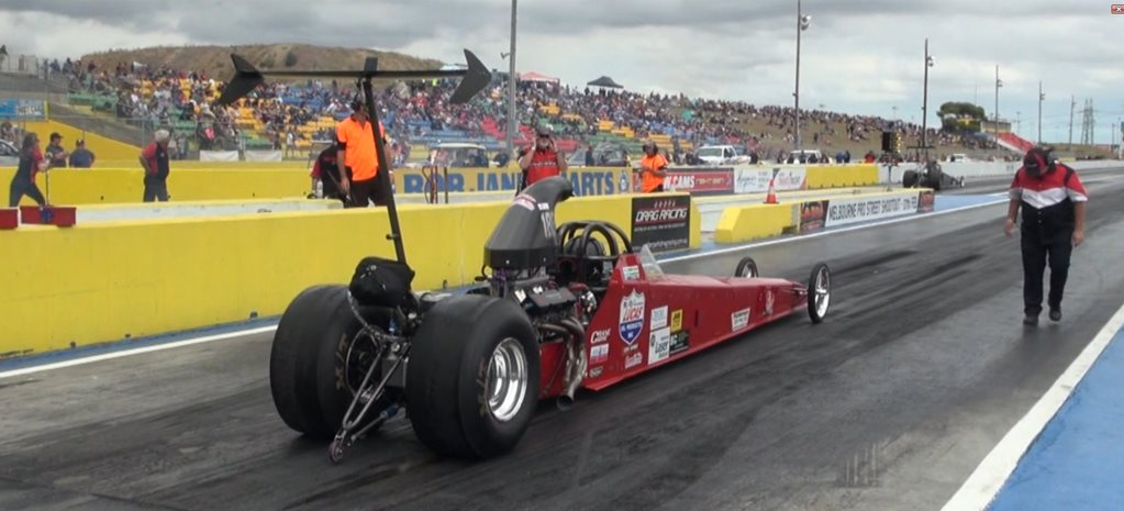 VIDEO: 283-CUBE 10,000RPM DRAGSTER AT CALDER PARK