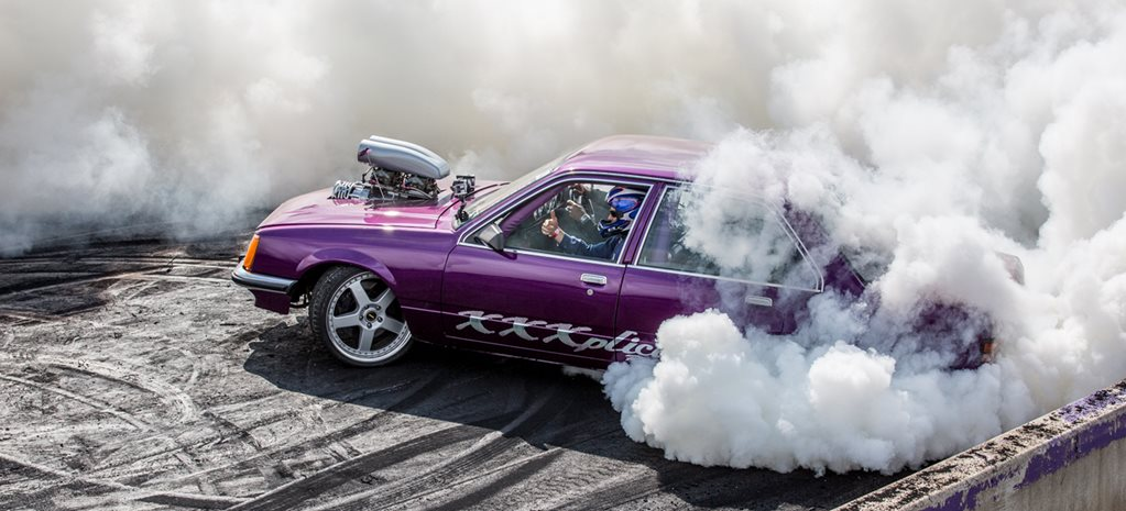 VC COMMODORE BURNOUT CAR IBLOWN AT MOTORFEST – VIDEO