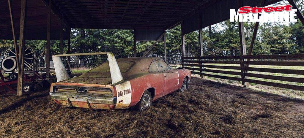 BARN-FIND DODGE DAYTONA FOUND AND SOLD AT AUCTION