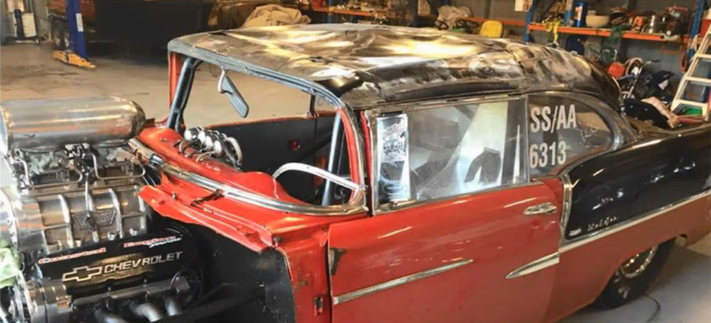 1955 CHEV CRASHES AT 250KPH AND THE DRIVER WALKS AWAY - VIDEO