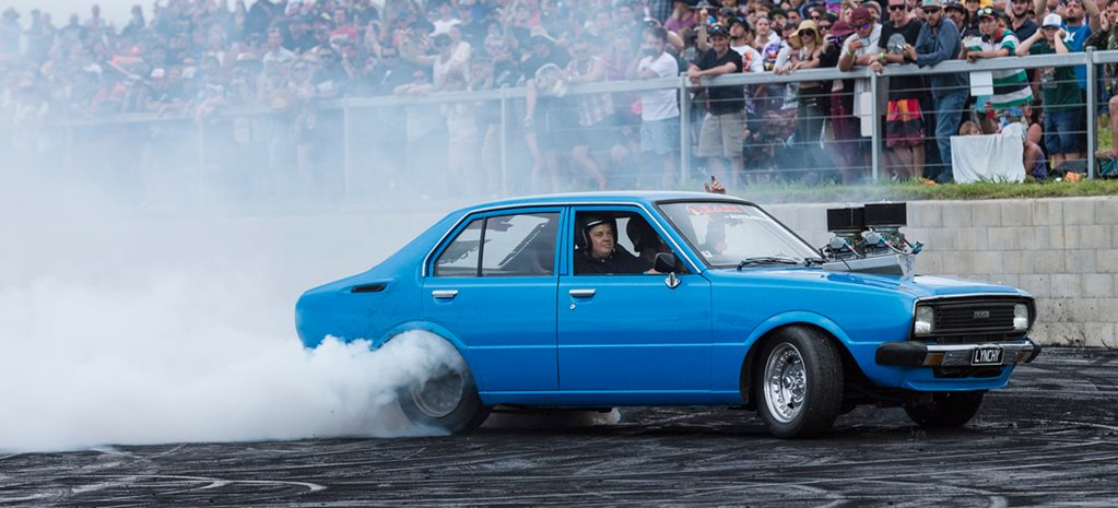 ANDREW LYNCH AND STEVEN LOADER SWAP BURNOUT CARS – VIDEO