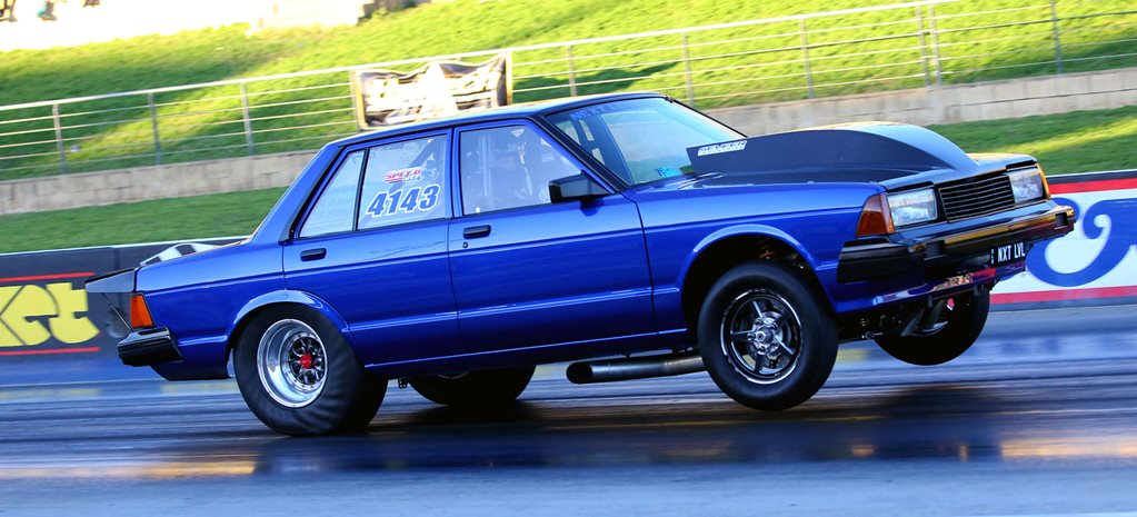 TWIN-TURBO SMALL-BLOCK NISSAN BLUEBIRD RUNS SIXES - VIDEO