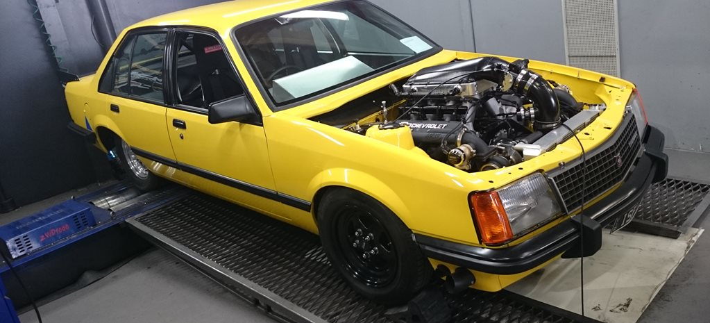 TWIN-TURBO COMMODORE ISFAIR MAKES OVER 1000RWHP - VIDEO
