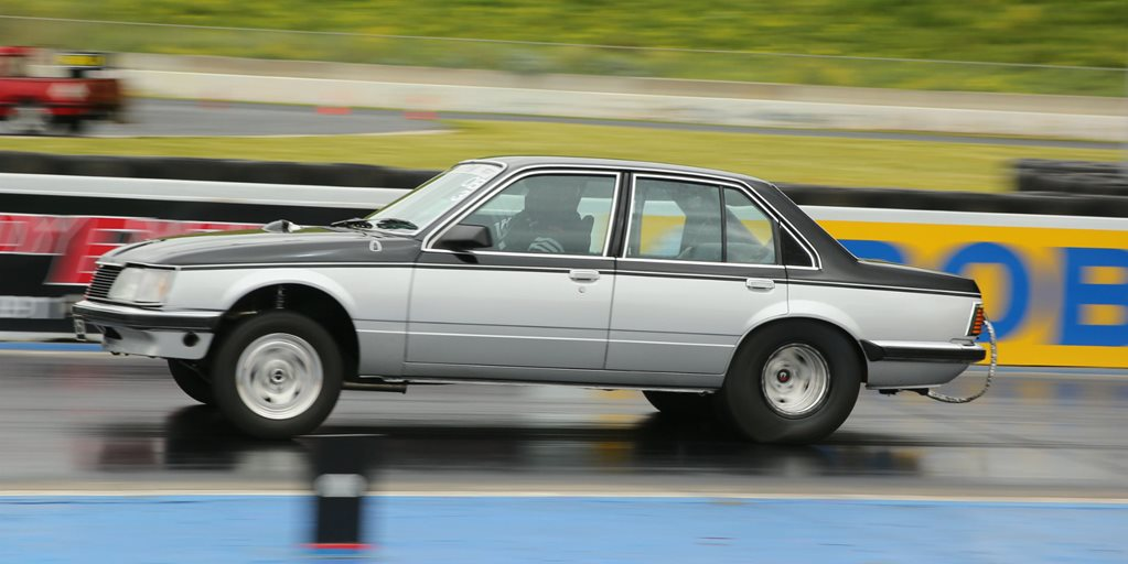 DRAG CHALLENGE 2016: BUBBA'S TWIN-TURBO VH COMMODORE LEADS AFTER DAY ONE – VIDEO