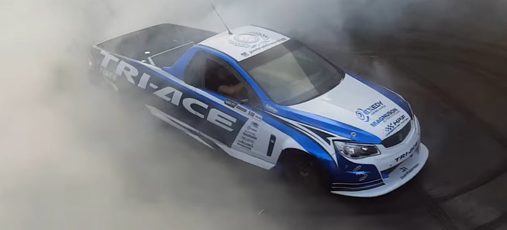 FORMULA DRIFT CARBON-BODIED HOLDEN COMMODORE UTE – VIDEO