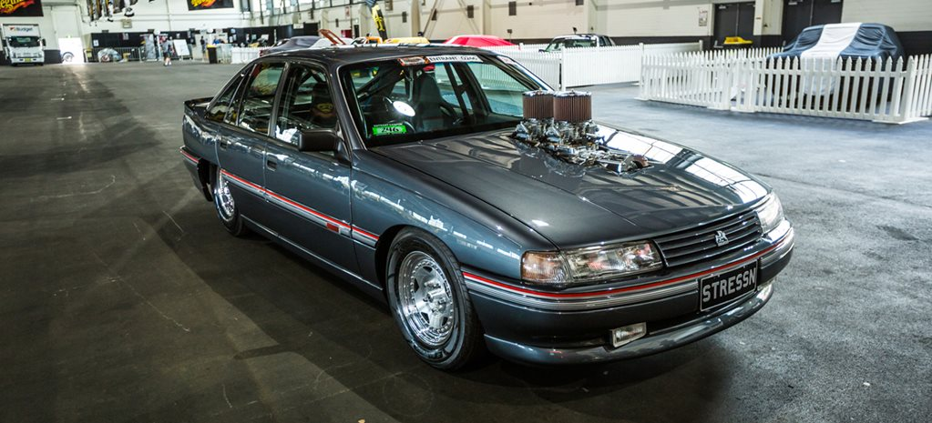 BLOWN SMALL-BLOCK VN COMMODORE AT SUMMERNATS 30 - VIDEO