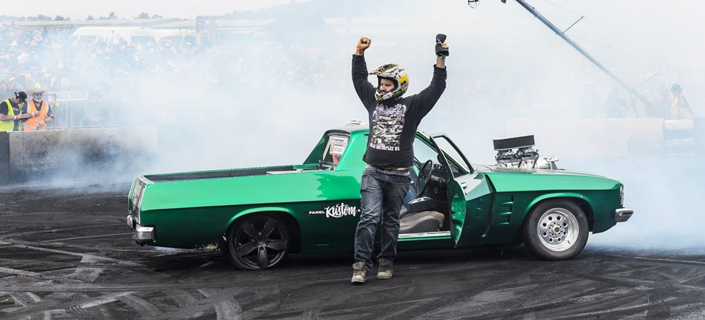 PAGEY WINS THE SUMMERNATS 30 BURNOUT CHAMPIONSHIP – VIDEO