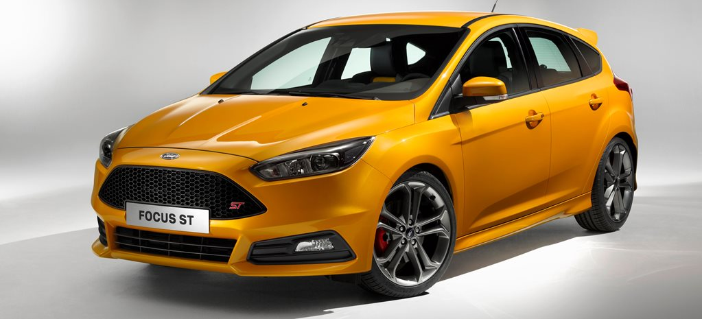 2015 Ford Focus first official pictures