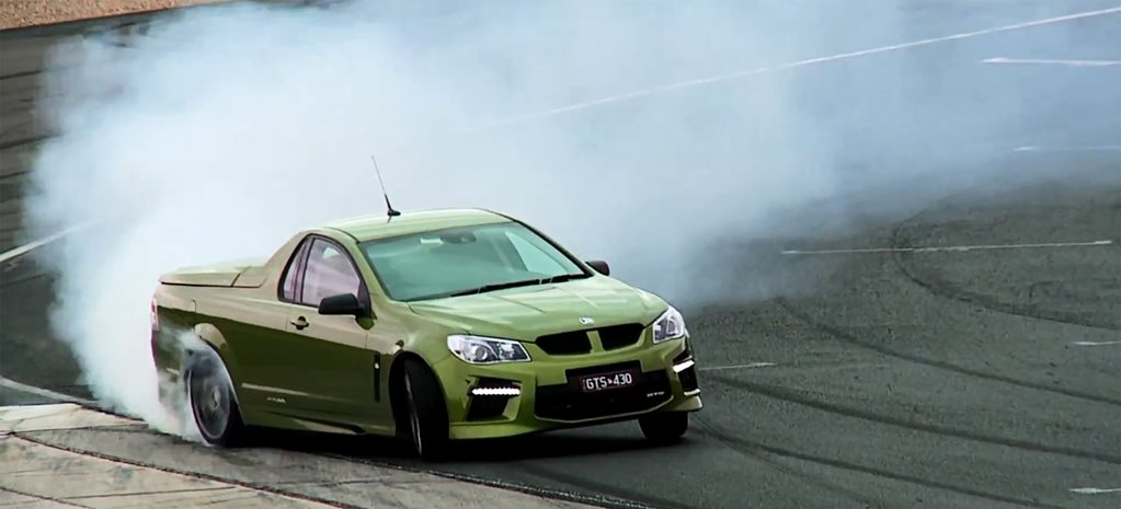 Video: Chris Harris v HSV GTS Maloo