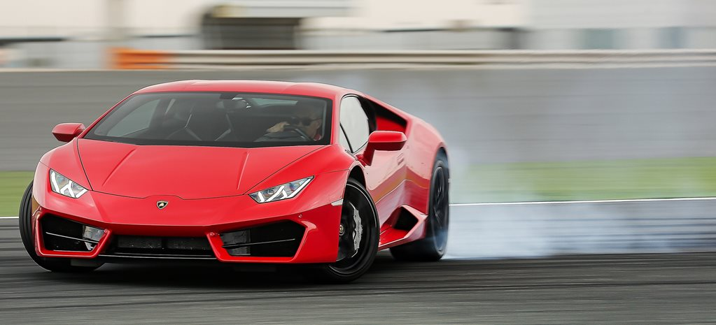 2016 Lamborghini Huracan LP580-2 review