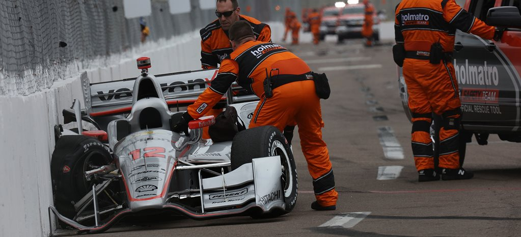 Will Power crashes out of IndyCar opener
