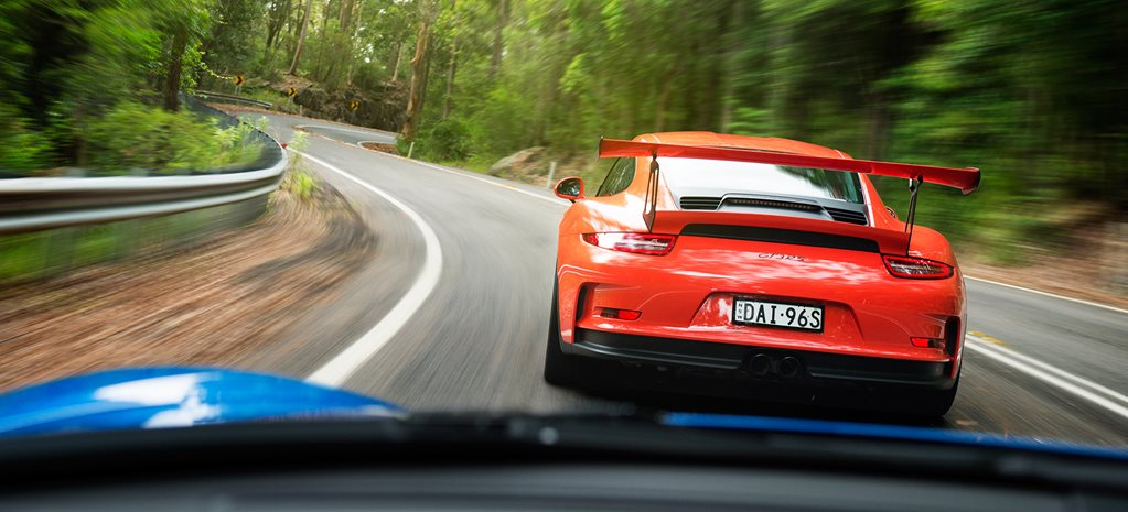 2016 Porsche 911 GT3 RS v 2016 Porsche Cayman GT4 comparison review