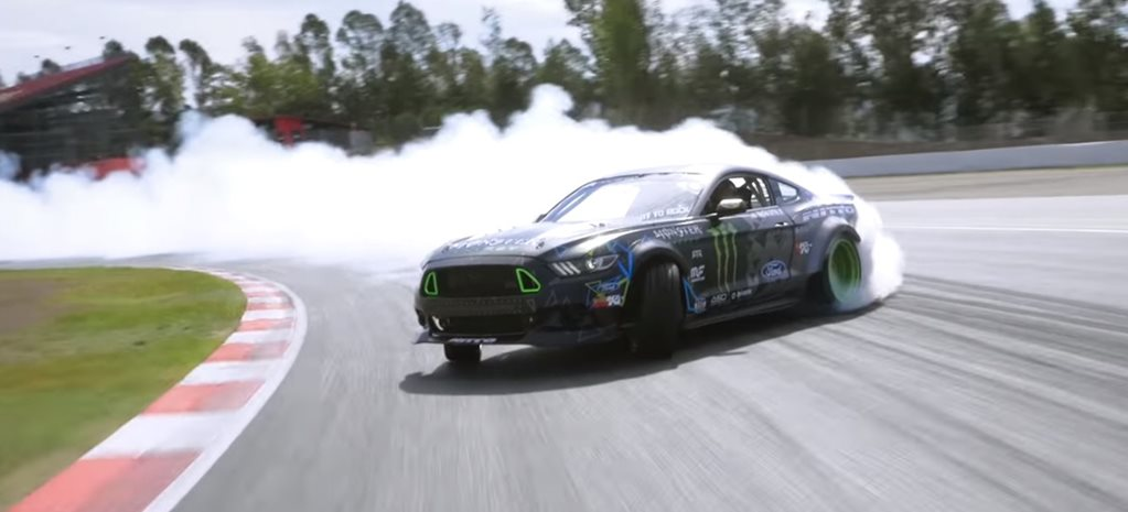 Ford Mustang pulls off epic 975m drift