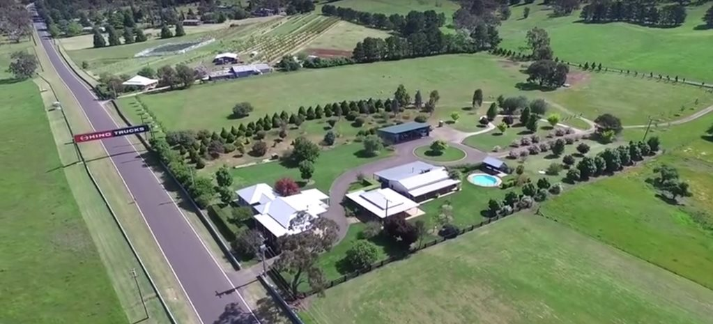 Mt Panorama's ultimate house for Australian car enthusiasts is for sale