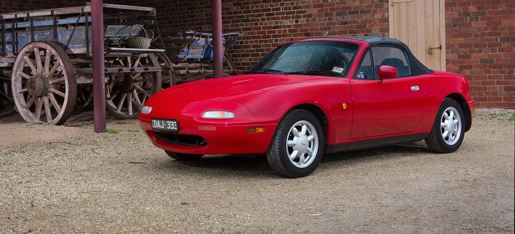 https://d3lp4xedbqa8a5.cloudfront.net/imagegen/max/ccr/1023/-/s3/digital-cougar-assets/wheels/2017/05/18/-1/Mazda-MX-5-cover-LONG.jpg