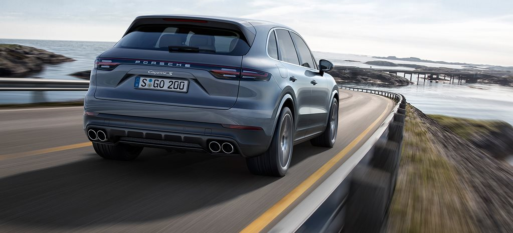 2018 Porsche Cayenne S revealed_rear_dynamic_wide