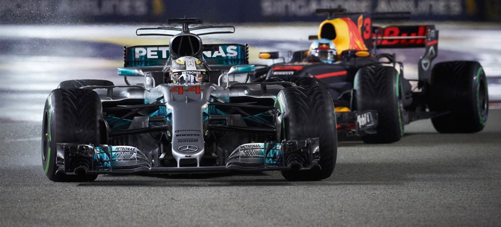 Hamilton scores stunning win in 2017 Singapore Grand Prix Ricciardo second