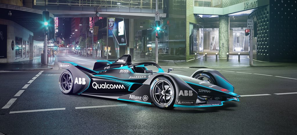 2018 Formula E race car looks like a spaceship designed to attack race tracks