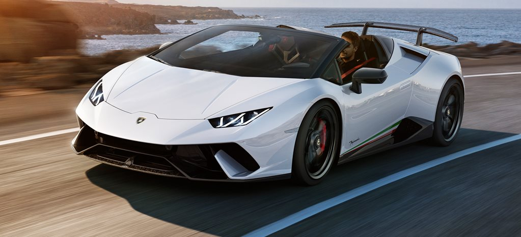 2018 Geneva Motor Show Lamborghini Huracan Performante loses its head