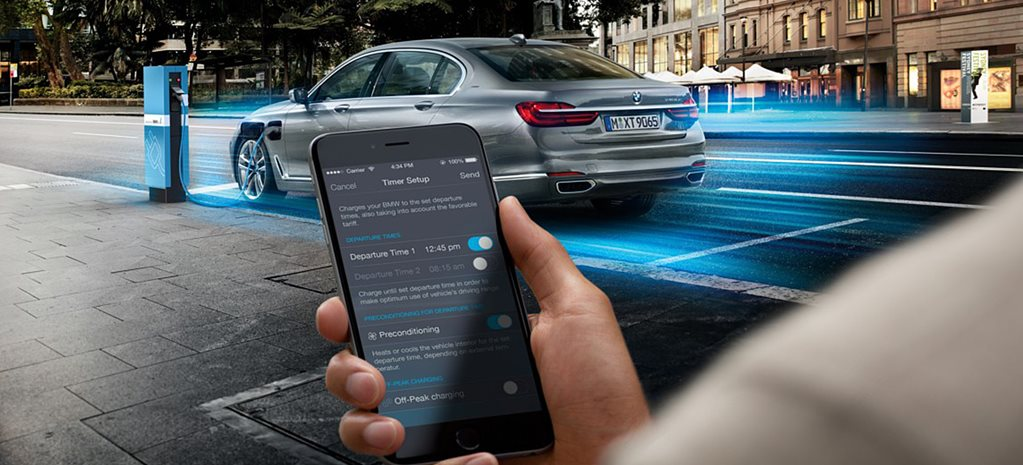 7 ways smartphone technology is changing how we drive