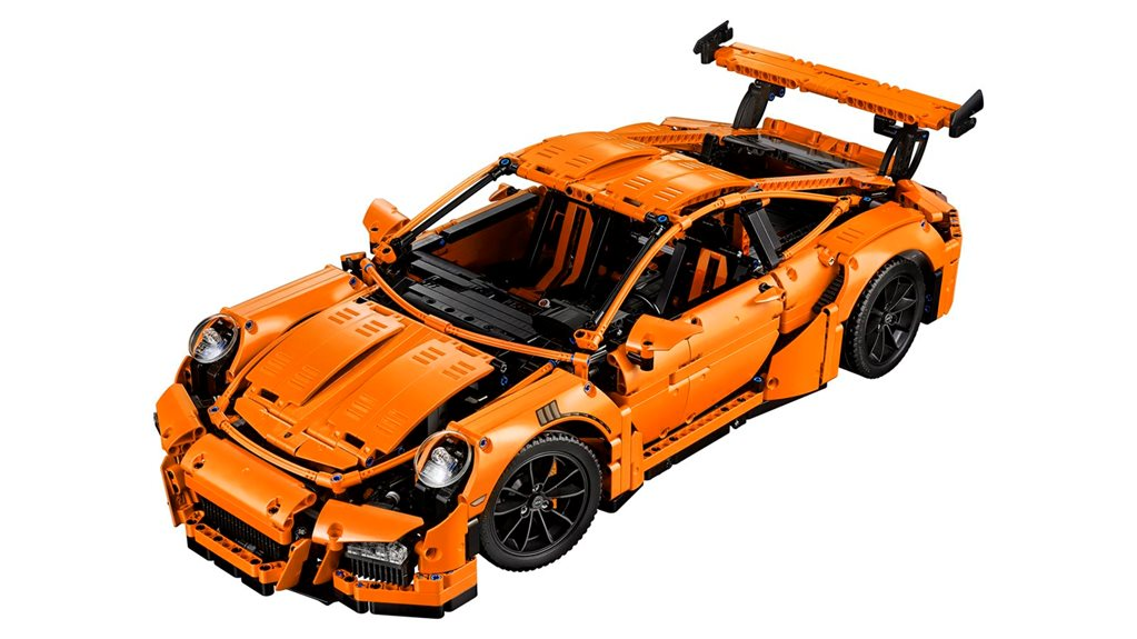 Lego builds Porsche 911 GT3 RS