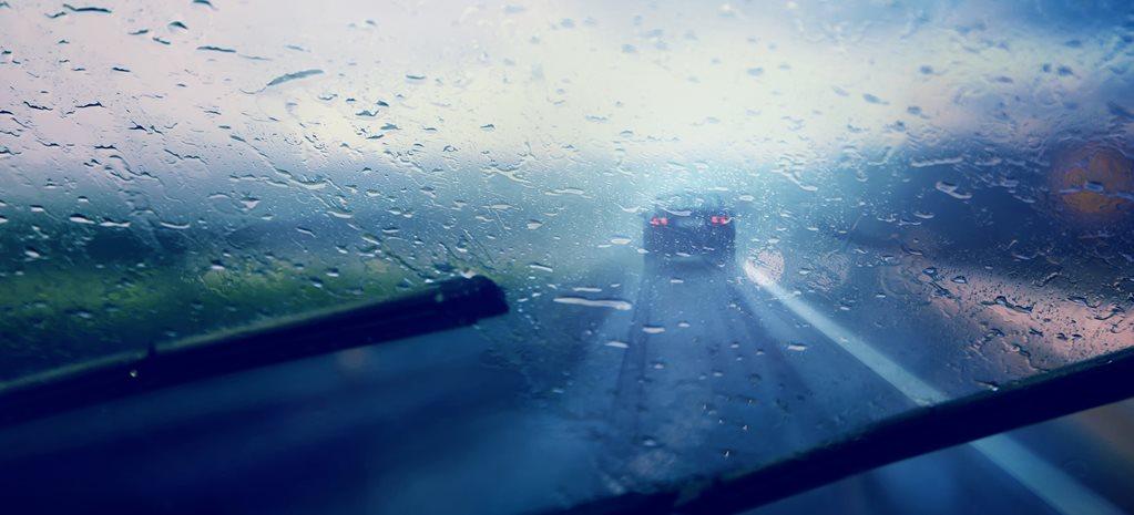 How rain-sensing windscreen wipers work