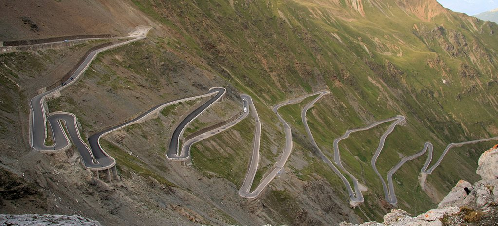10 Most Dangerous Driving Roads in the World