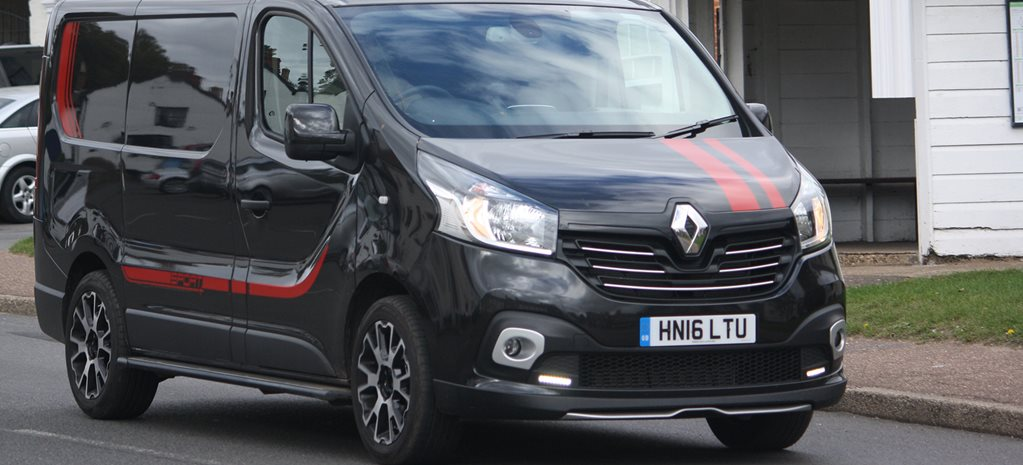 2016 renault trafic sport quick review. Black Bedroom Furniture Sets. Home Design Ideas