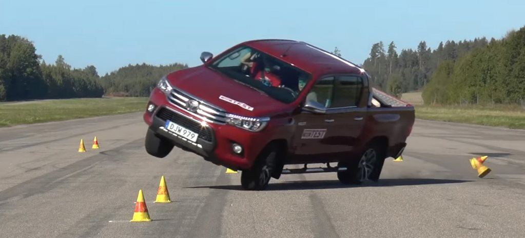 Toyota Hilux moose test