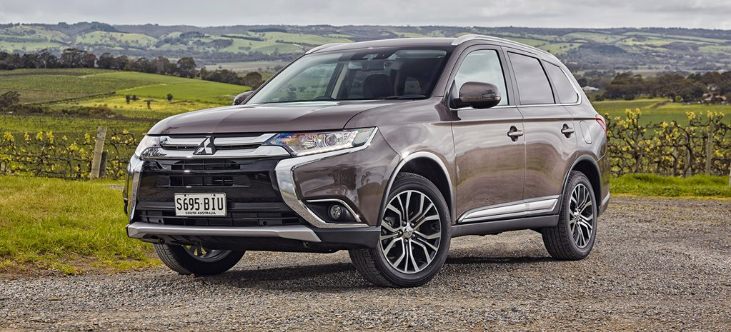 2017 Mitsubishi Outlander LS AWD DiD Safety Pack Quick Review