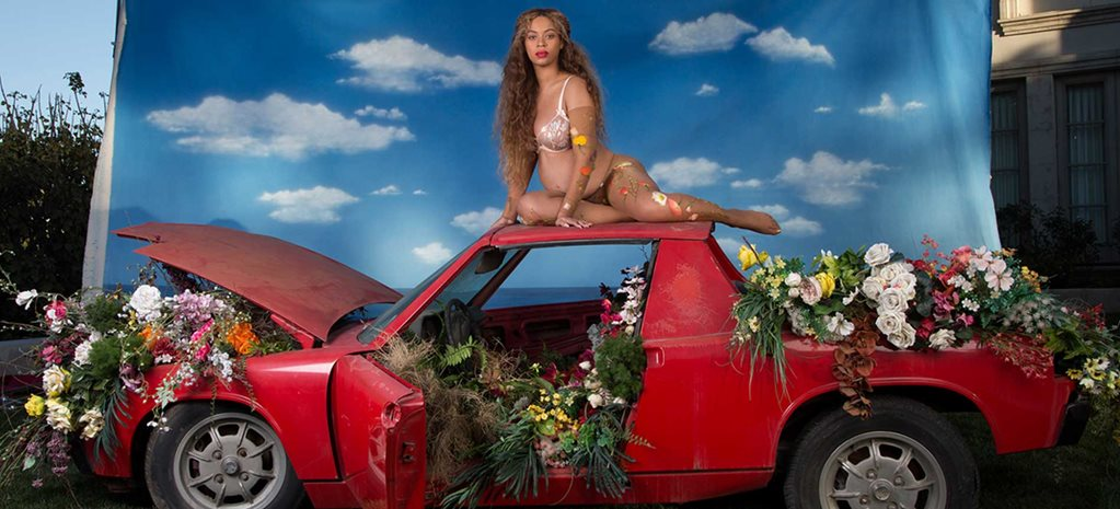 Beyoncé announced pregnancy with twins while sitting on a Porsche 914