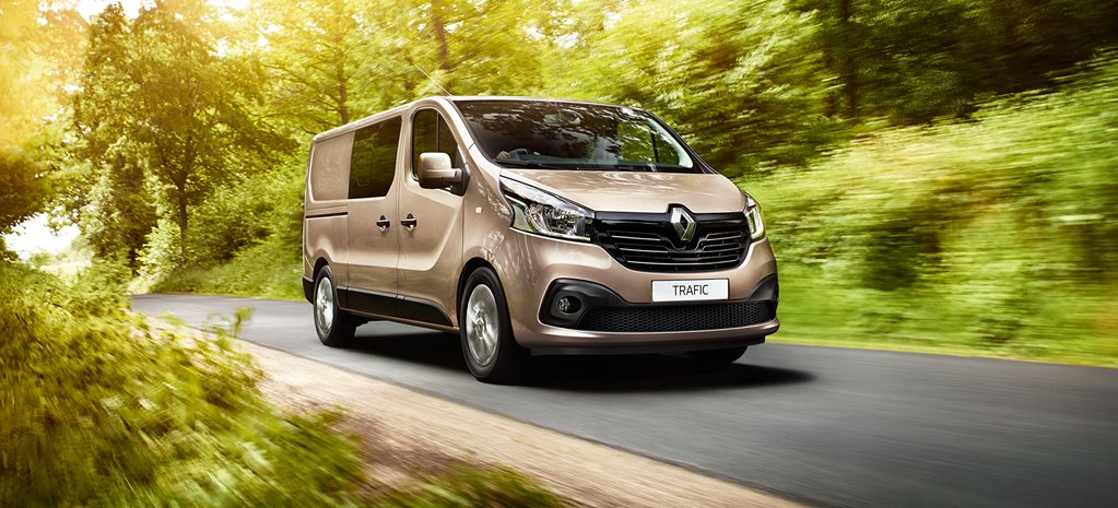 2017 Renault Trafic Crew review video