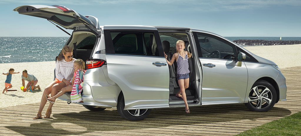 Honda Odyssey v Volkswagen Multivan v Isuzi MU-X: Which 'breeder bus' is best?