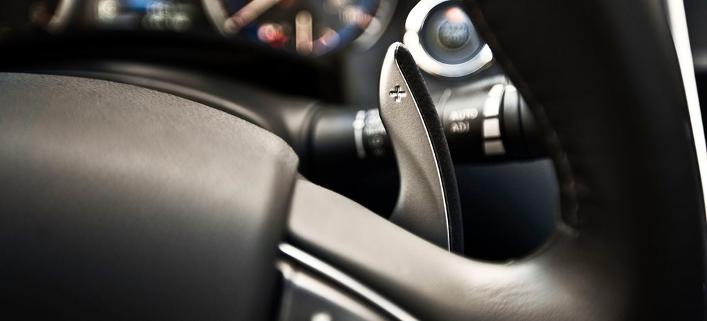 How and When to Change Gears with Paddle Shifters in an Automatic Car