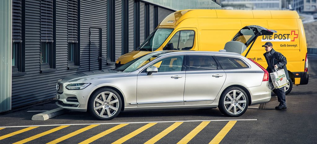 Volvo weighs up in-car micropayments for Australia