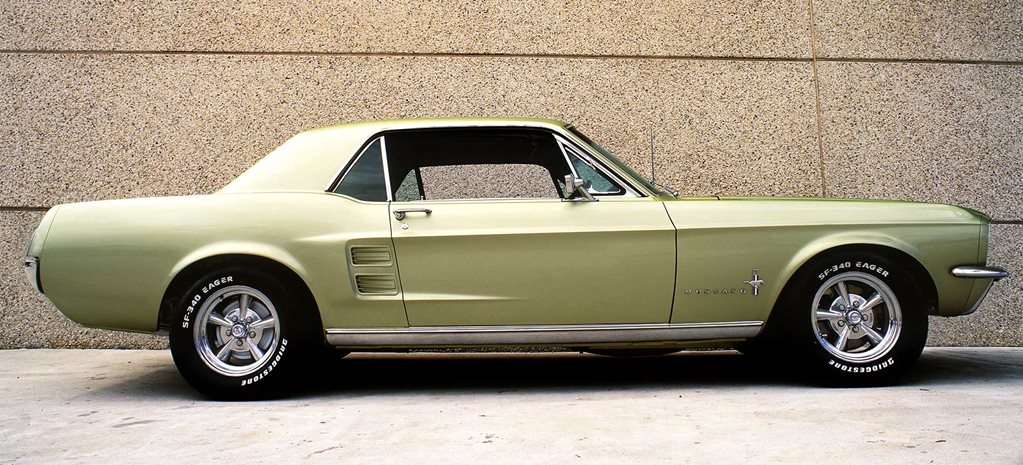 1967 Ford Mustang coupe side