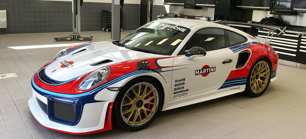 Porsche 911 GT2 RS Moby Dick livery