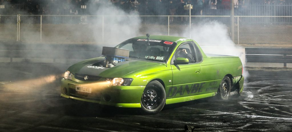 410ci sprint car engined VY Ute burnout car - Video