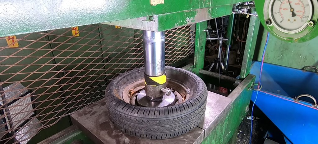 Steel and alloy wheels crushed with hydraulic press video news