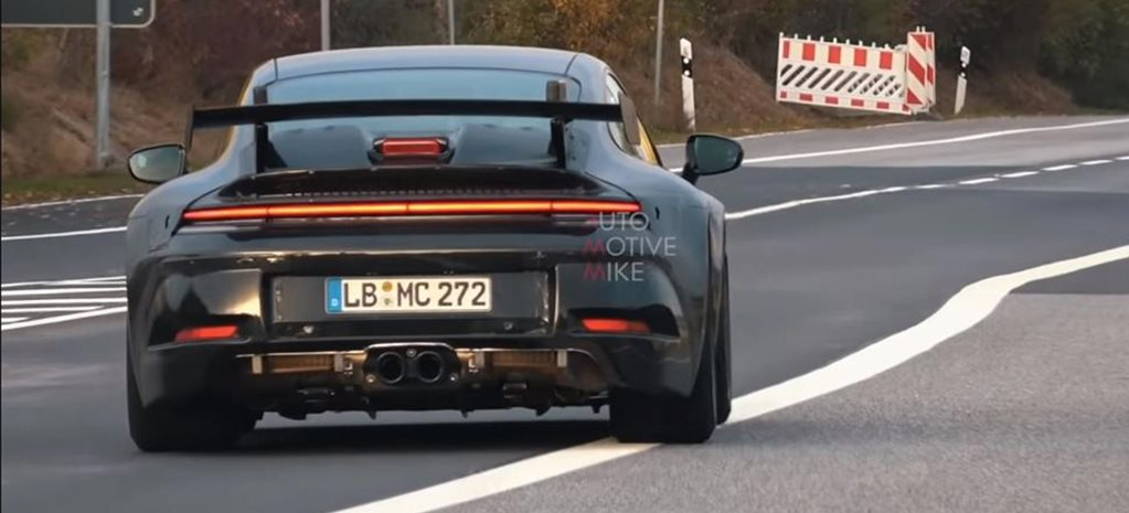 Porsche 992 911 testing Nurburgring naturally aspirated manual feature