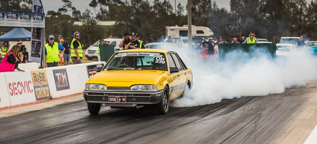 Ex-highway patrol VL Commodore runs sevens at Drag Challenge - Video