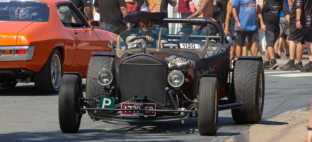 1927 Ford hot rod with Holden 202 power – Video