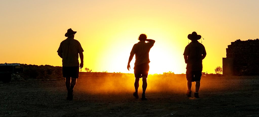 What should you do before crossing the outback opinion