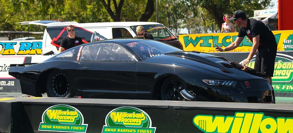 Aussie Top Fuel Champ Kelly Bettes tests 4000hp Pro Mod Mustang